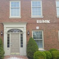 RE/MAX Real Estate Center-6006 Brownsboro